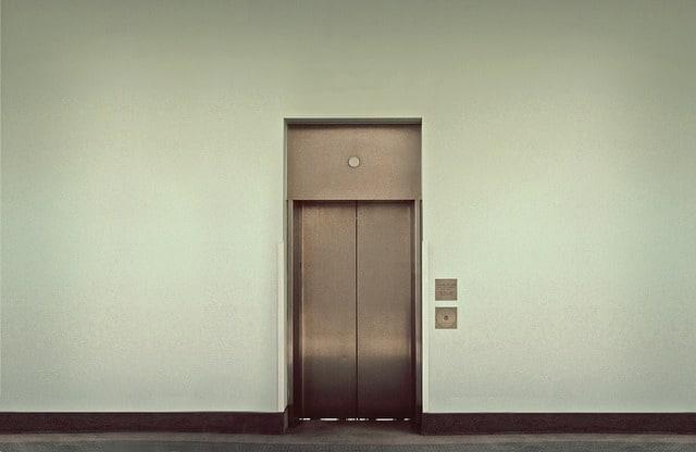 elevator-495231_640